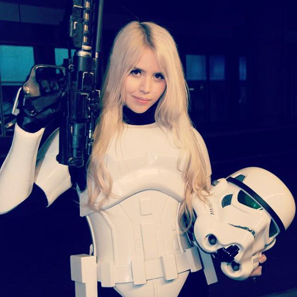 Female Stormtroopers - Blonde